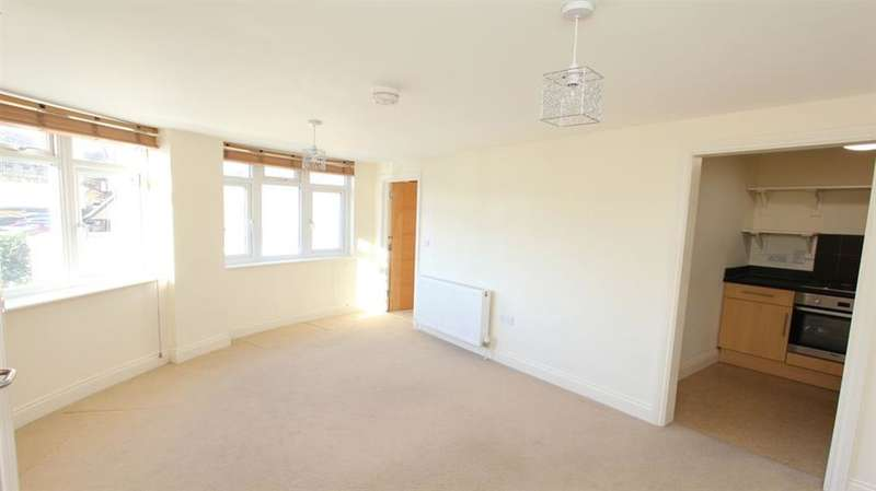 1 Bedroom Flat for sale in Sycamore Place, Hill Avenue, Amersham, HP6 5BG