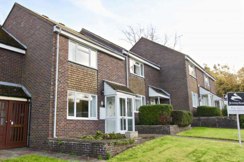 2 Bedrooms Terraced House for sale in Winslow Field, Great Missenden HP16