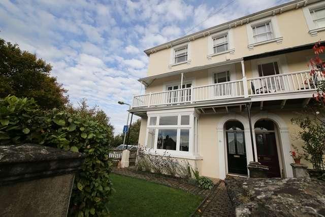 4 Bedrooms Semi-detached Villa House for rent in Semi-detached four double bedroom Victorian Villa in the Village