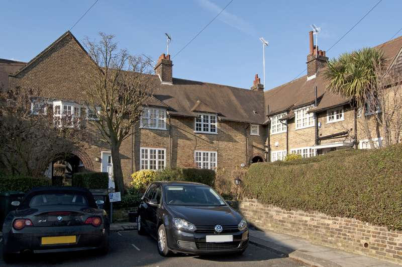 2 Bedrooms Property for sale in Asmuns Place, Hampstead Garden Suburb