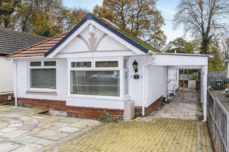 2 Bedrooms Detached Bungalow for sale in Mon Crescent, Southampton, SO18