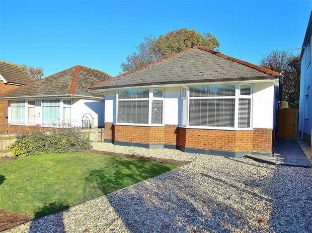 2 Bedrooms Detached Bungalow for sale in Dale Road, Oakdale, POOLE, Dorset