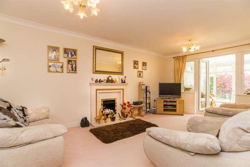 4 Bedrooms Detached House for sale in Linnet Close, Littlehampton, West Sussex, BN17 7GW