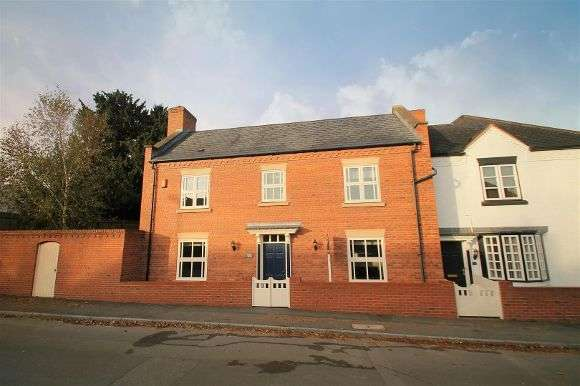 3 Bedrooms Property for sale in Church Road, Shareshill, Wolverhampton