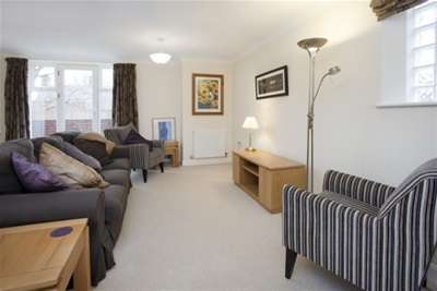 2 Bedrooms Penthouse Flat for rent in Lime Tree Court, York, YO30