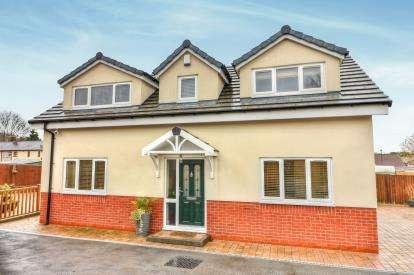 3 Bedrooms Bungalow for sale in Norfolk Drive, Haslingden, Rossendale, Lancashire, BB4