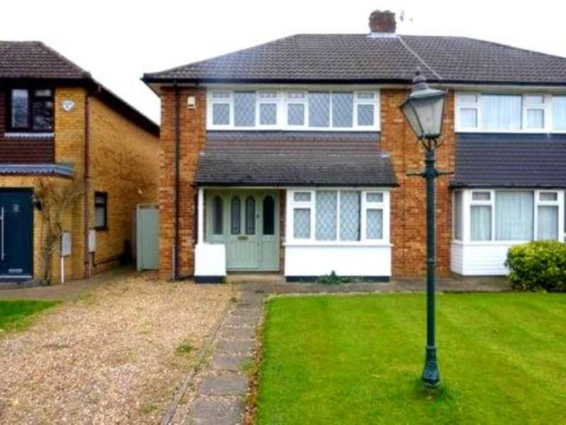 3 Bedrooms Semi Detached House for rent in Common Lane, Radlett