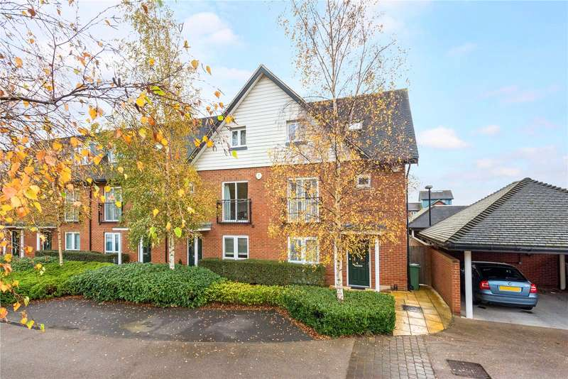 4 Bedrooms Semi Detached House for sale in Daws Place, Redhill, Surrey, RH1