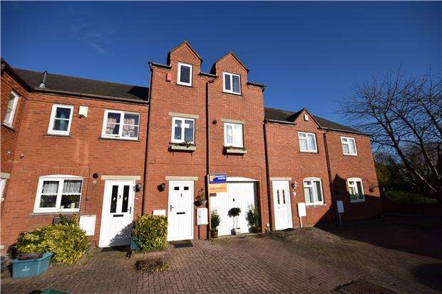 3 Bedrooms Terraced House for sale in India Road, GLOUCESTER, GL1 4DW