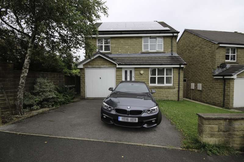 4 Bedrooms Detached House for sale in Bradshaw View, Queensbury, Bradford, West Yorkshire, BD13