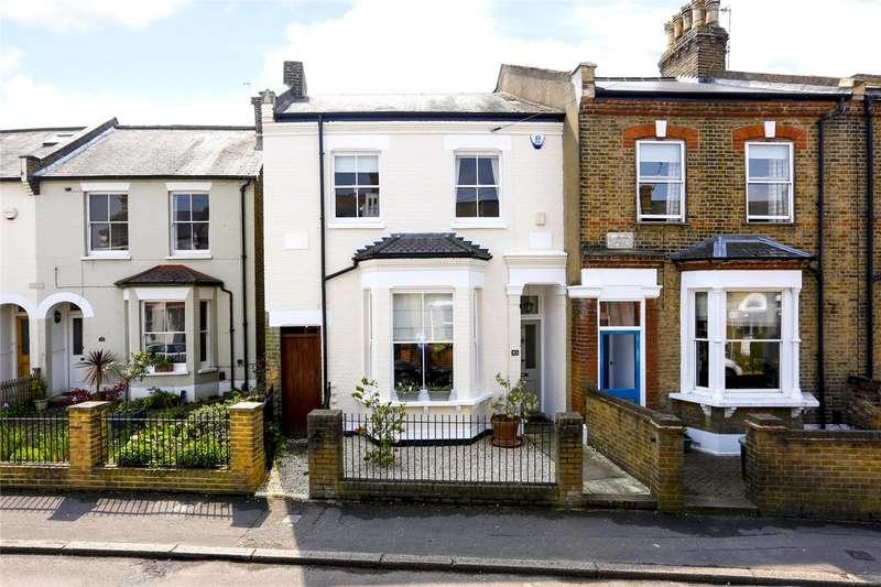 4 Bedrooms Semi Detached House for sale in Oldfield Road, Hampton, TW12