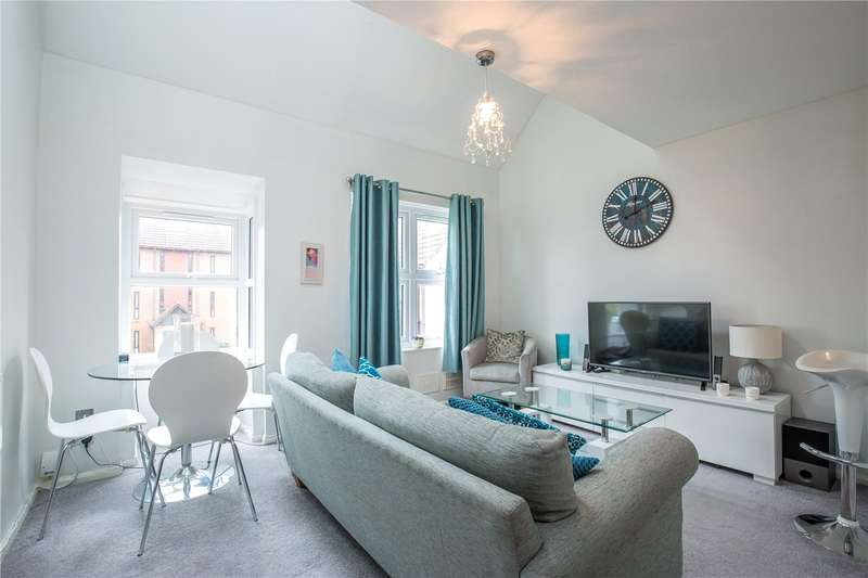 2 Bedrooms Maisonette Flat for sale in Pilgrims Close, Palmers Green, London, N13