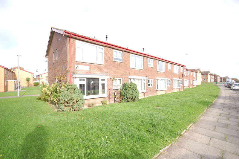 2 Bedrooms Flat for sale in Dumfries Close, Blackpool