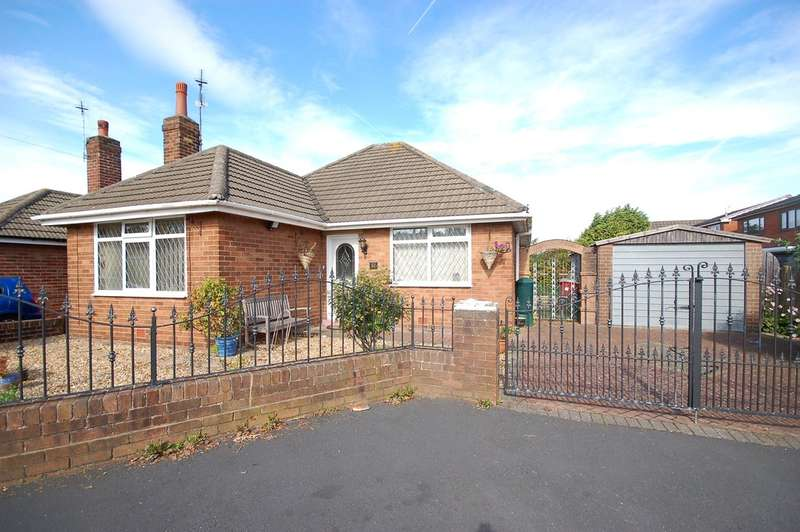 2 Bedrooms Detached Bungalow for sale in Hathaway, Blackpool