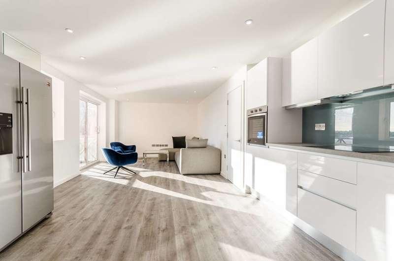 2 Bedrooms Flat for sale in Regent on the River, Sands End, SW6