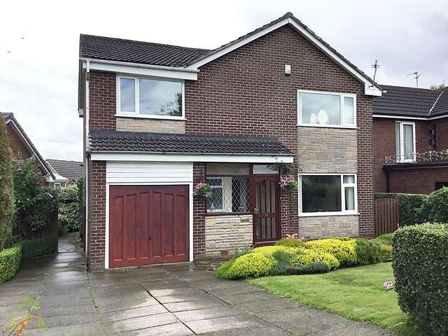 4 Bedrooms Detached House for sale in Rutherglen Drive, Ladybridge, Bolton, BL3