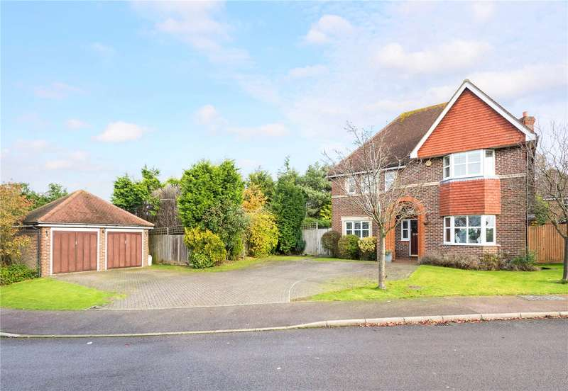 5 Bedrooms Detached House for sale in Heathside Place, Epsom, Surrey, KT18