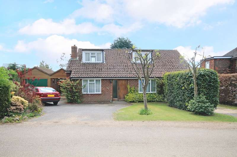 5 Bedrooms Detached Bungalow for sale in Oaklands, Billingshurst, RH14