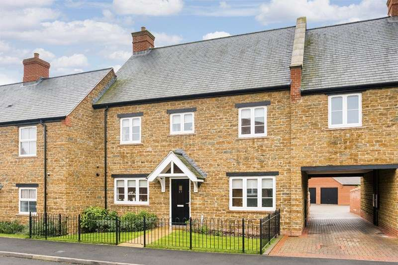 4 Bedrooms Terraced House for sale in Halestrap Way, Kings Sutton, Banbury