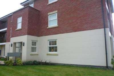 2 Bedrooms Flat for sale in Lingwell Park, Widnes, Cheshire, WA8