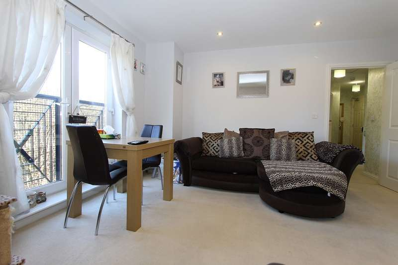 2 Bedrooms Apartment Flat for sale in The Infield, Halesowen, B63
