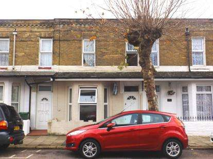 3 Bedrooms Terraced House for sale in Sandown