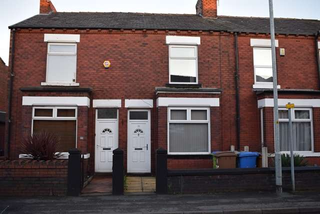 2 Bedrooms Terraced House for rent in To Let - Hilton Fold Lane, Middleton M24 2JF.