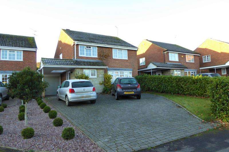 4 Bedrooms Detached House for sale in 8 Beech Close