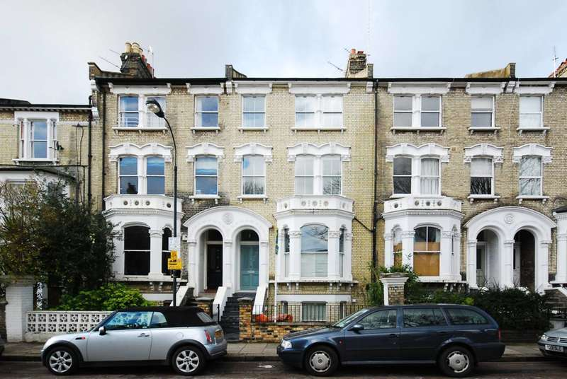 5 Bedrooms House for rent in Coverdale Road, Shepherd's Bush, W12