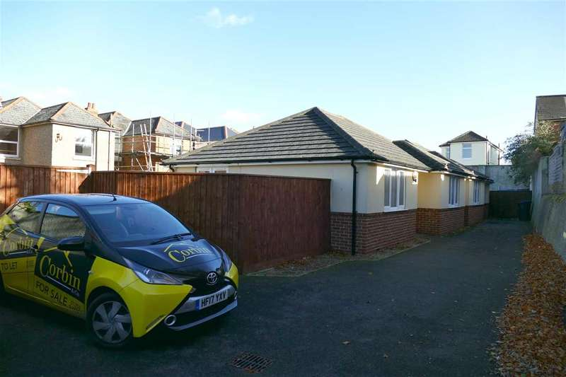 2 Bedrooms Detached Bungalow for sale in Seaton Gardens, Bournemouth