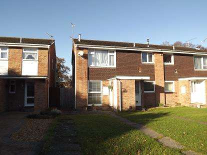 2 Bedrooms Flat for sale in Burton, Christchurch, Dorset