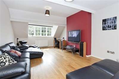 2 Bedrooms Flat for rent in Bootham Court, York, YO30