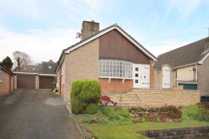 3 Bedrooms Bungalow for sale in Moonpenny Way, Dronfield, Derbyshire