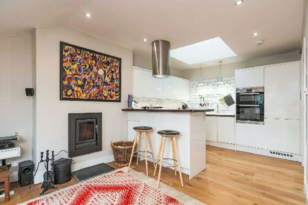 2 Bedrooms Flat for sale in Dartmouth Park Road, Dartmouth Park, NW5