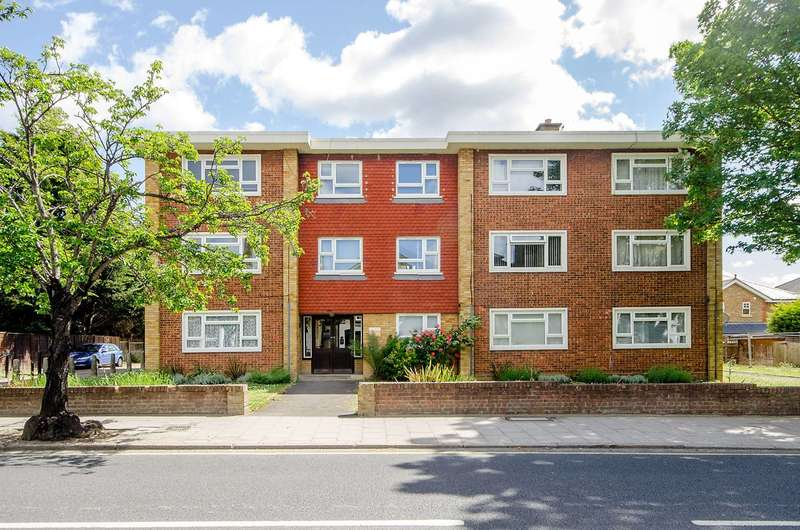 2 Bedrooms Flat for sale in Hartfield Road, Wimbledon, SW19
