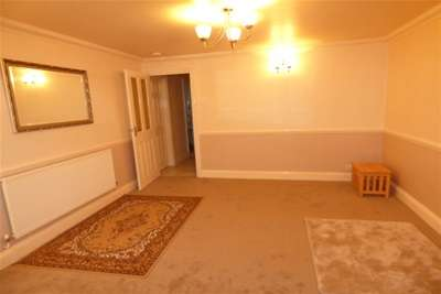 2 Bedrooms Bungalow for rent in PITSEA, BASILDON