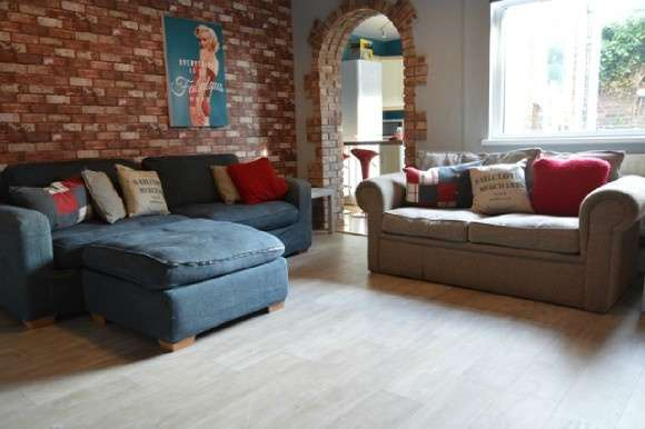 5 Bedrooms Terraced House for rent in Enderley Street, Newcastle, Newcastle-Under-Lyme