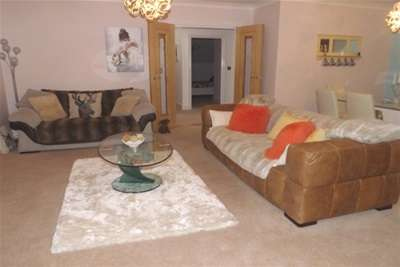 2 Bedrooms Flat for rent in Francis House, 60 Manor Road, Solihull