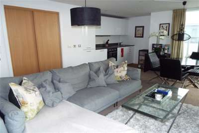 3 Bedrooms Flat for rent in The Picture Works, Nottingham, NG2 3DU