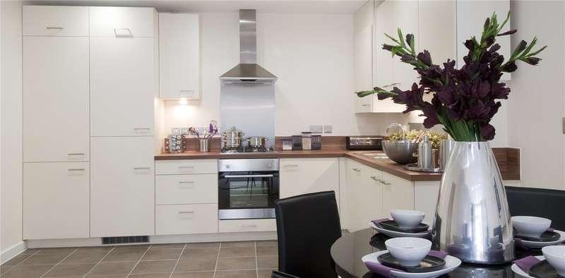 2 Bedrooms Flat for sale in Portland Crescent, Marlow, Buckinghamshire, SL7