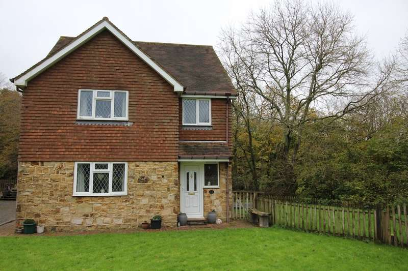 4 Bedrooms Detached House for rent in Dewlands Hill, Crowborough, TN6