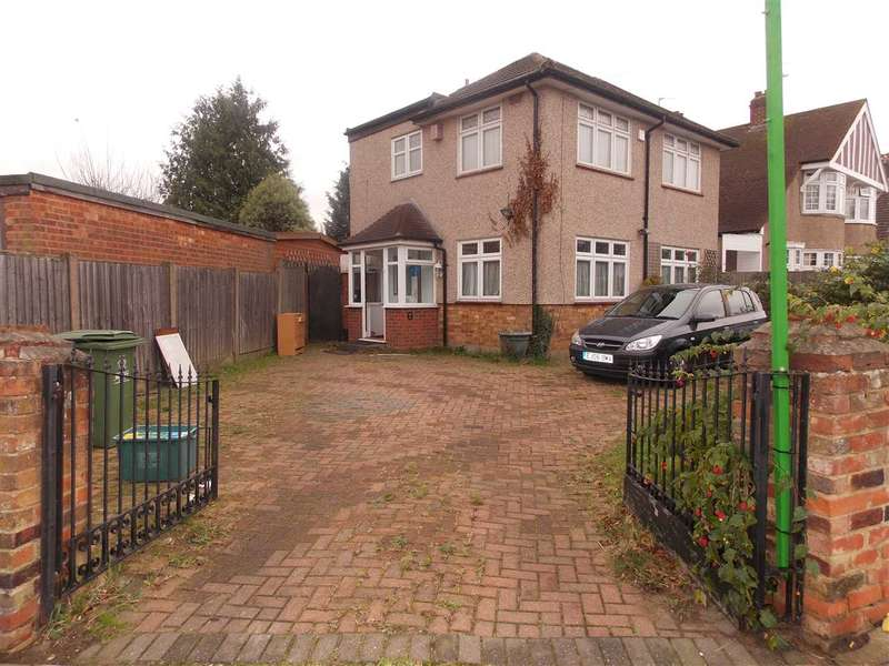 4 Bedrooms Detached House for sale in Northumberland Avenue, Welling