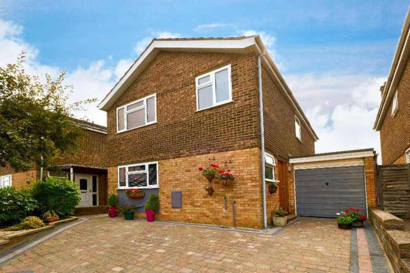 4 Bedrooms Detached House for sale in Swindale, Bedford, MK41 7TT