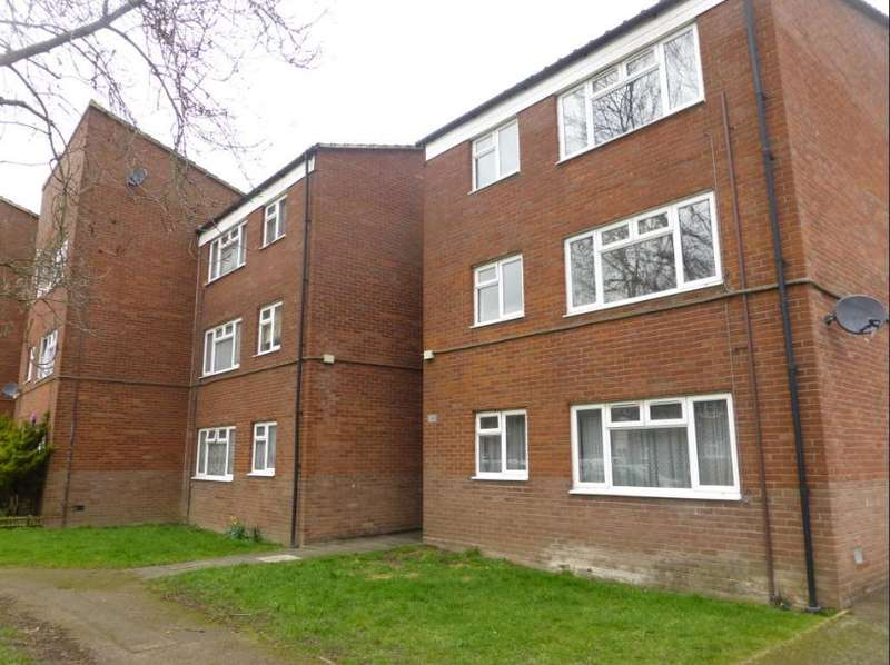 2 Bedrooms Flat for sale in Mulberry Drive, Broxbourne, Turnford, Cheshunt, En10 6hn