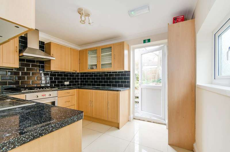 4 Bedrooms House for rent in South Hill Avenue, Harrow, HA2