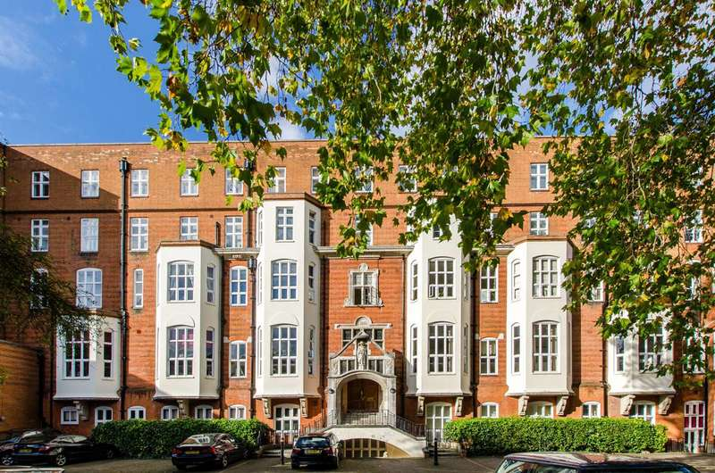 3 Bedrooms Flat for sale in Myatts Field, Camberwell, SE5