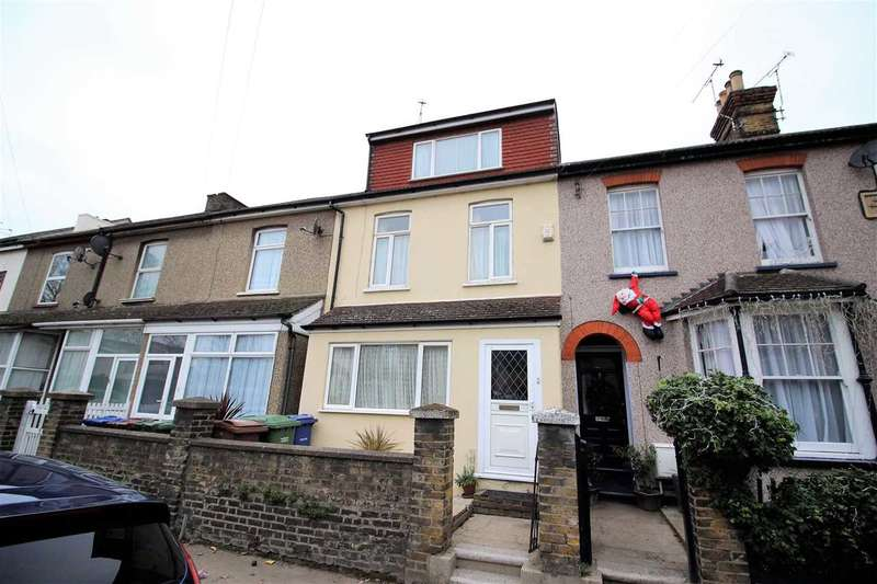 4 Bedrooms Terraced House for sale in Kent Road, Grays