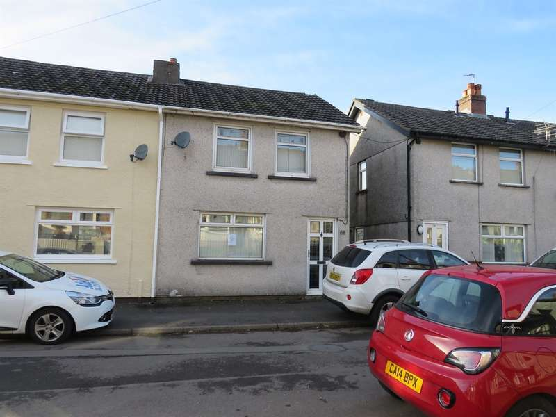 3 Bedrooms Semi Detached House for sale in Pencoed Avenue, Cefn Fforest, Blackwood