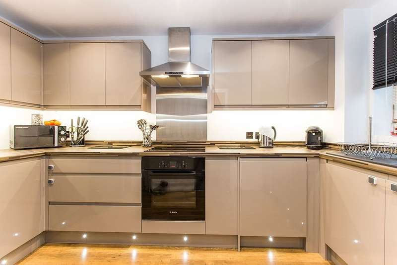 2 Bedrooms Flat for sale in Eastney Road, Southsea, PO4