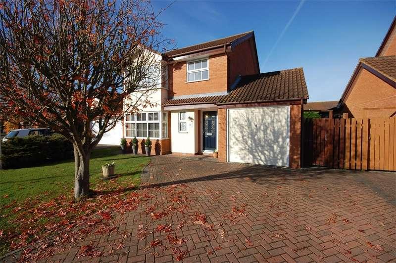 4 Bedrooms Detached House for sale in Patrick Way, Aylesbury, HP21
